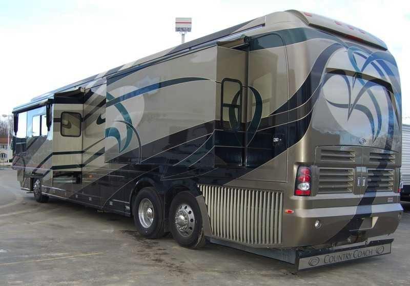 2006 Country Coach Magna 45 Rembrandt Quad Slide
