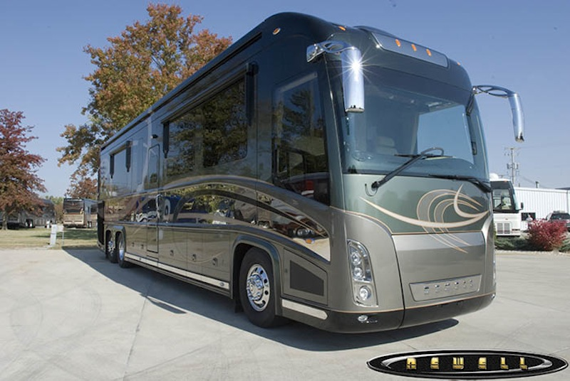Images of 2017 Prevost Motorhomes H3 45 With Trailer - #rock