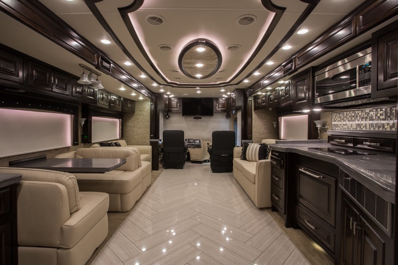 2014 Tiffin Zephyr 45 Tz Quad Slide Bath And A Half